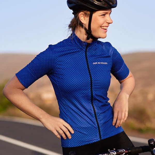 women-lightweight-cycling-jersey-fleurette-bleu-royal-action-4